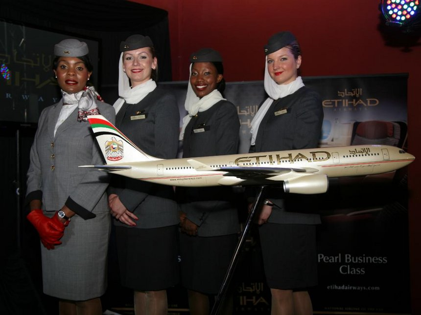 Requirements To Become A Flight Attendant for Emirates, Etihad and Qatar